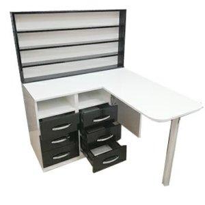Маникюрные столы с полочками